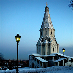Church of the Ascension, Kolomenskoye in the winter evening (JannaPham) Tags: world blue winter snow heritage church canon eos lights evening russia moscow lamps kolomenskoye churchoftheascension project365 explorefrontpage 40d 40365 jannapham