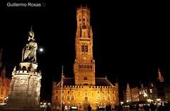 The moon sets (el cuervo y el jaguar) Tags: travel viaje tourism europa europe belgium belgique brugge medieval bruges turismo belgica brujas campanario belfort veniceofthenorth veneciadelnorte guillermorosas