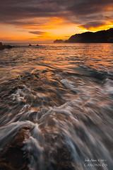 Amanece en el Puerto (Bakio) (saki_axat) Tags: sea seascape water marina sunrise waves amanecer bizkaia bakio gaztelugatxe