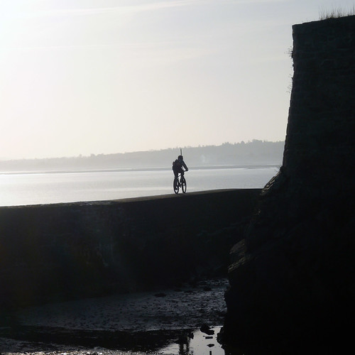 Rouler sur les remparts du Fort de La Hougue