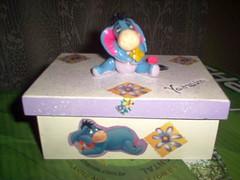 medeira 001 (Angeli Noivinhos de Biscuit e Lembrancinhas) Tags: biscuit mdf caixas pinturaemmdf topodebolo personageminfantil