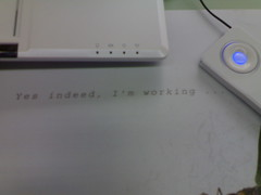 Yes indeed, I'm working - Samsung UM10 white Asus Eee PC Mousepad