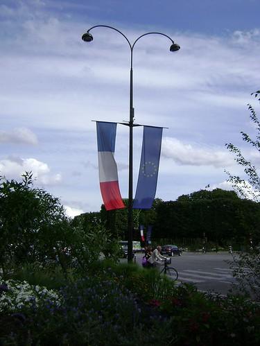Paris esperando o 14 de Julho