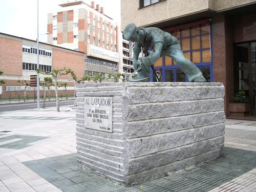 Monumento del Labrador por ti.