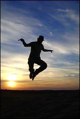 Y en otra vida fue pelcano... (Marina Cast.) Tags: sunset sky sun black ariel yellow backlight clouds contraluz atardecer jump sand negro arena safari amarillo mendoza cielo nubes lavalle supershot abigfave aplusphoto theunforgettablepictures safarimendoza colourartaward tup2 altoslimpios 100commentgroup safarimendozareloaded darkaico amelhorfotodasuagaleria
