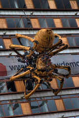 La Princesse waits ... (John_Kennan) Tags: art thread liverpool spider mechanical legs web fear spinning gigantic 2008 arachnophobia hdr highdynamicrange artichoke happening scientific capitalofculture 1xp lamachine laprincesse