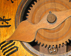 Moving Parts-Wooden Clock (Don3rdSE) Tags: wood iowa ia clockworks gears desmoines clodk citrit don3rdse nlvdon
