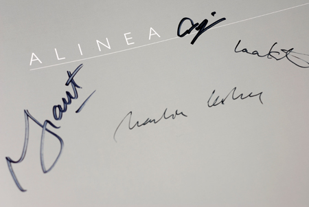 alinea cookbook - signatures© by Haalo