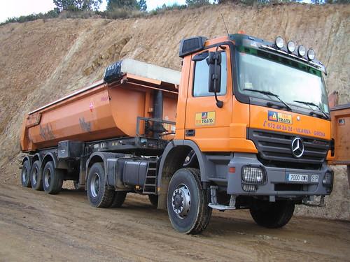 Mercedes Benz trailer amb bolquet