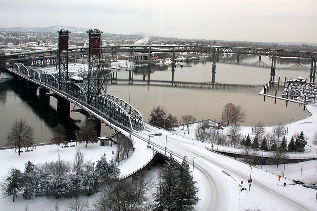 snow, hawthorne bridge