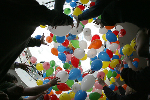 New Year's Balloon Drop at Chabot (Jane Tyska/Oakland Tribune)