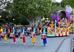 Frontline drummers start off Mickey's Soundsational Parade