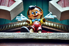 Pinocchio, Disneyland Park, Paris - France (Humayunn N A Peerzaada) Tags: italy india paris france eye pinetree pine kids studio fun wooden model italian europe colours photographer puppet disneyland indian cartoon disney actor maharashtra rides studios mumbai walt pino pinocchio occhio baloons cartooncharacter waltdisney fictional tuscan geppetto carlocollodi kutch humayun dialect disneylandpark woodcarver madai waltdisneystudio woodenpuppet peerzada imagesoftheworld studioset deolali humayunn peerzaada kudachi kudchi humayoon studiosets humayunnnapeerzaada wwwhumayooncom humayunnapeerzaada grandeuropediscovery sirwaltdisneywaltdisney pinocchiotaleofapuppet pineeye tuscandialect pinenet taleofapuppet