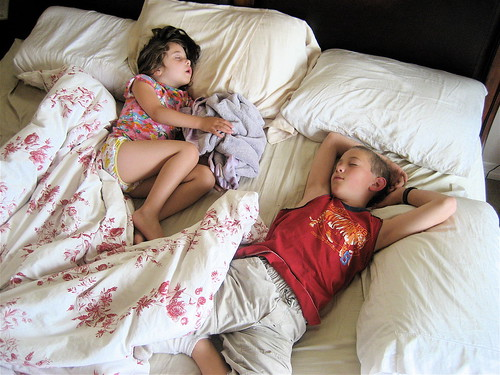 sleeping kids are so....quiet!