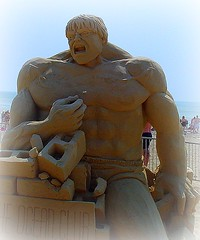 The Incredible Hulk (FelixSS) Tags: summer sculpture usa beach festival comics sand massachusetts newengland hulk sandsculpture incrediblehulk reverebeach