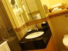 Bathroom (Lil'Ms.Sunshine) Tags: royale damansara bintang