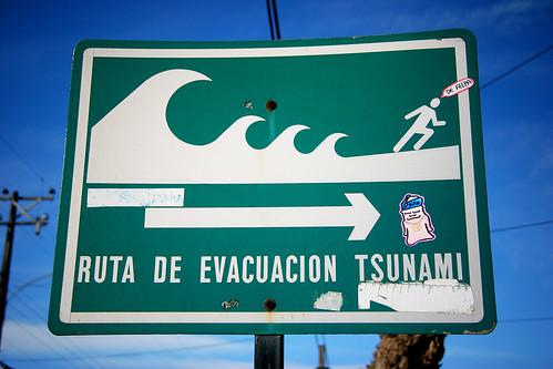 ruta de evacuación tsunami.