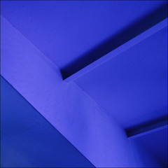 (barbera*) Tags: blue museum architecture shadows geometry steel shapes ceiling zrich lecorbusier beams 500x500 singintheblues heidiweberhaus abigfave charlesedouardjeanneretgris lecorbusierhome