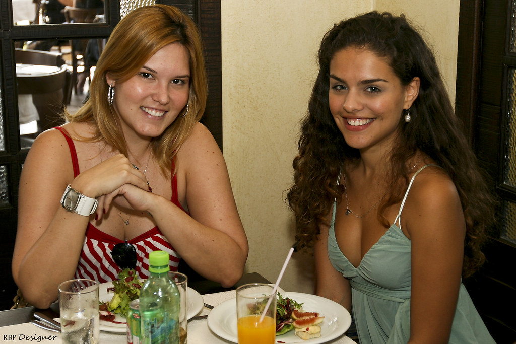 Rafaella Cardona e Paloma Bernardi