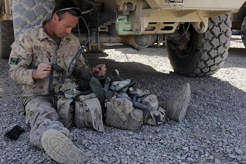 canada afghanistan training ana snatch afg helmand isaf canadianarmy 1stroyalcanadianregiment internationalsecurityassistanceforce afghannationalarmy omlt rcsouth camptombstone operationalmentorliaisonteam techsgtlauraksmth tsgtlauraksmith