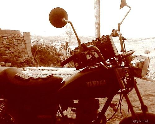 Moto at Bouthwar Béni Znassen