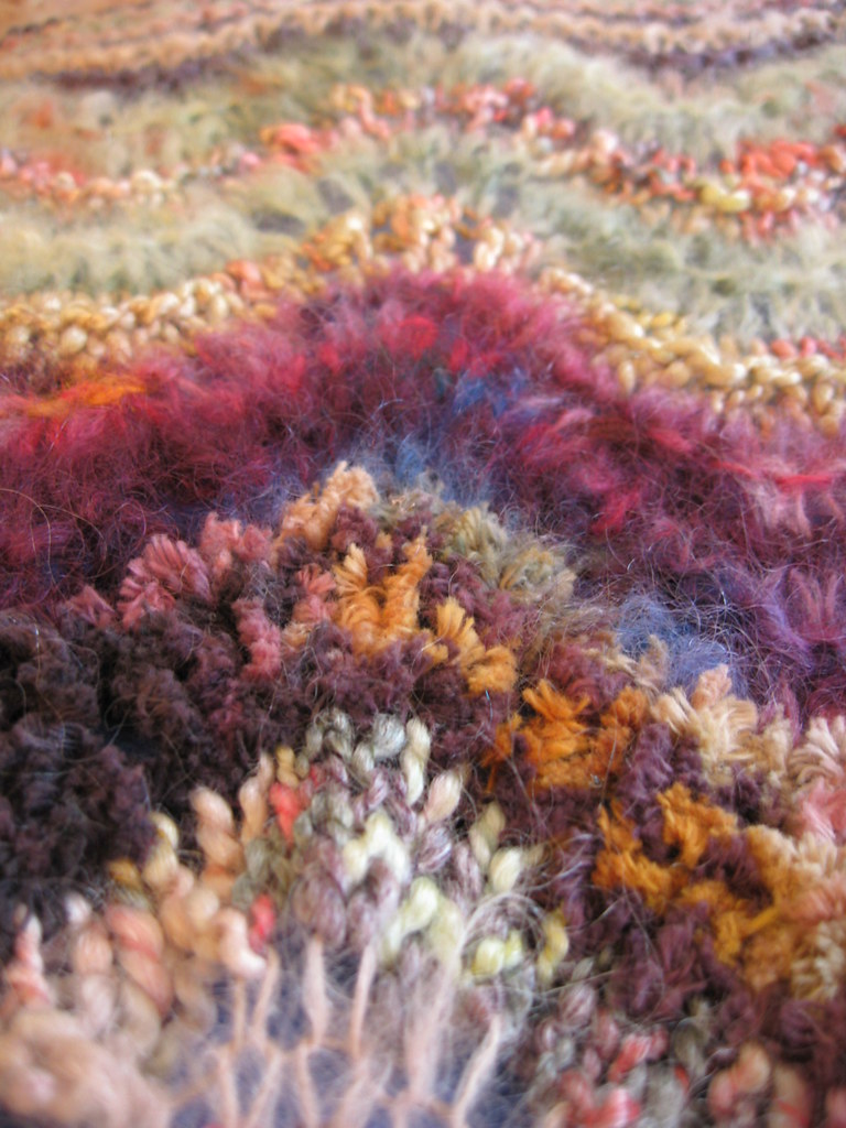 Colinette Ab Fab Antique Closeup_04