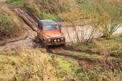 Bramcote Main Off - Road centre 16th Nov 2008 (boddle (Steve Hart)) Tags: road green cars car club automobile play mud 4x4 rover off pay land cov coventry muddy warwickshire automobiles defender roader offroader greenlaning plugging mudclub laning plugger warw muclub discovey