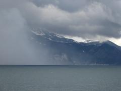 nevica sul lago