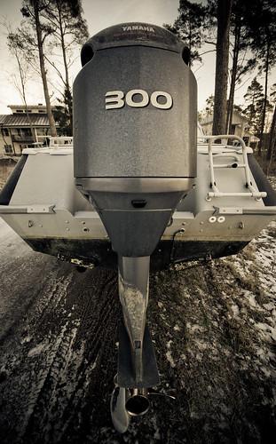 winter boat power engine yamaha motor buster 300 horsepower joululoma