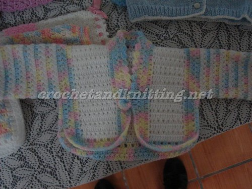 FREE PATTERN FOR CROCHET KIMONO STYLE BABY SWEATER
