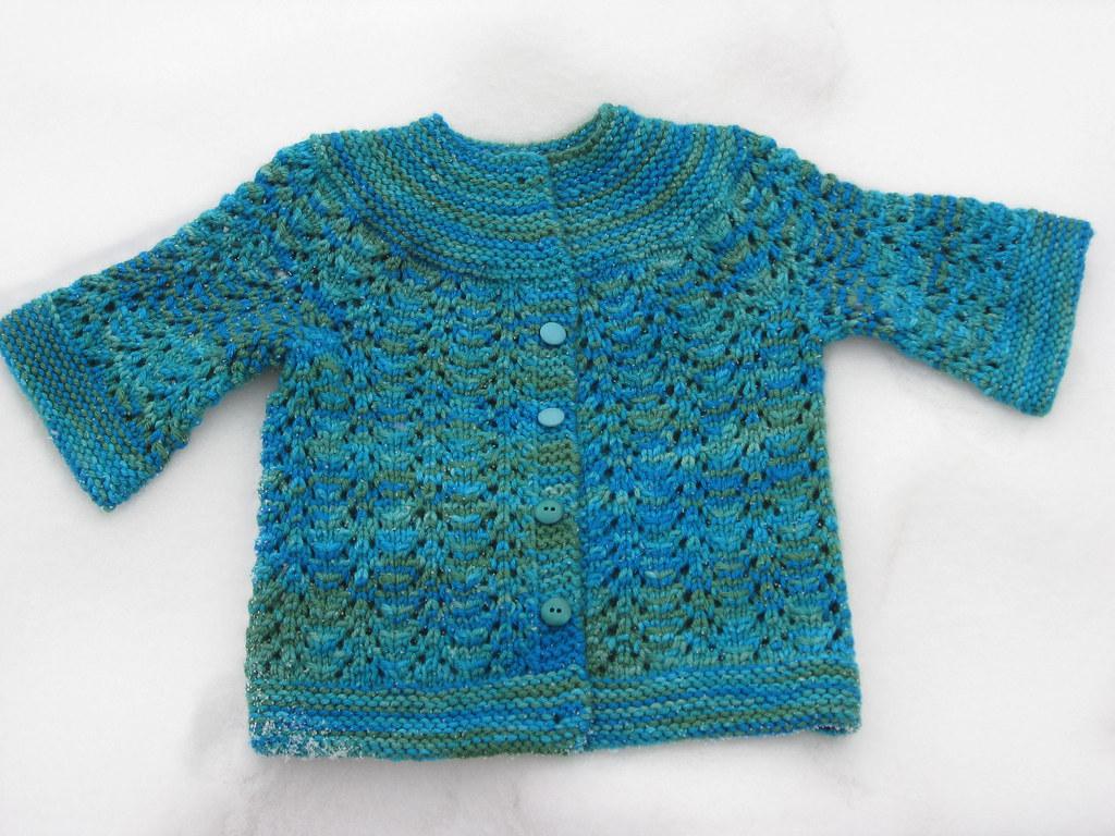 FebruaryBabySweater_napit1