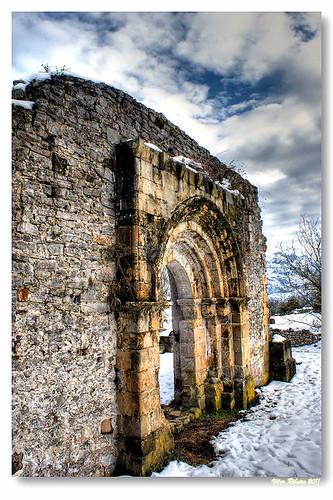 Ruínas da igreja de San Pedro de Plecín #2 by VRfoto