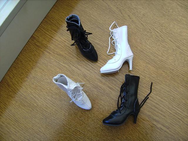 Pluie de chaussures 5836256080_d1f16c9259_z