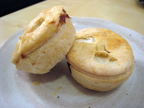 Chicken and steak mini pies, Dub Pies