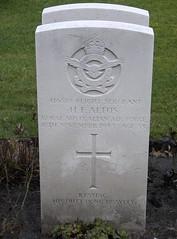 0278 Altus H.F. (golli43) Tags: berlin cemetery germany memorial soldiers westend charlottenburg wargraves secondworldwar britishsoldiers australiansoldiers heerstrasse alliedsoldiers