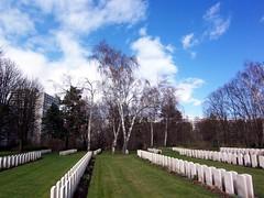 0329 Commonwealth War Graves (golli43) Tags: berlin cemetery germany memorial soldiers westend charlottenburg wargraves secondworldwar britishsoldiers australiansoldiers heerstrasse alliedsoldiers