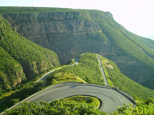 long and widing road! por o.blau.