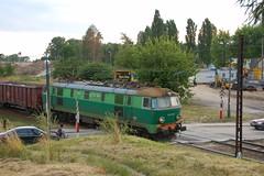Disappearing places (x-oph) Tags: railroad train poland railway warsaw warszawa pkp kolej bemowo pocig et22 ksiciajanuszastreet et22854