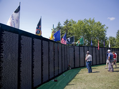 The Traveling Wall 4 (MacBailey) Tags: memorial vet vietnam thewall vietnamwar wausauwi vetrens