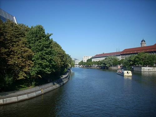 Blick von der Jannowitzbrücke spreeabwärts