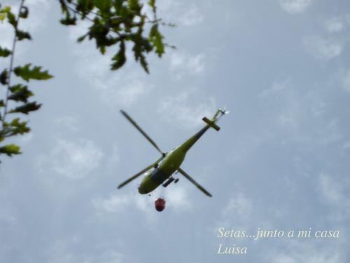 helicóptero sobre la casa