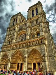 Notre Dame (Pedro Cavalcante) Tags: paris france frankreich europa europe catedral frana notredame cathdrale finepix fujifilm frankrijk notre dame francia hdr parijs pars parigi frankrike photomatix cathdralenotredame finepixs5000 6500 s6500 s6500fd finepixs6500 finepix6500 pedrocavalcante