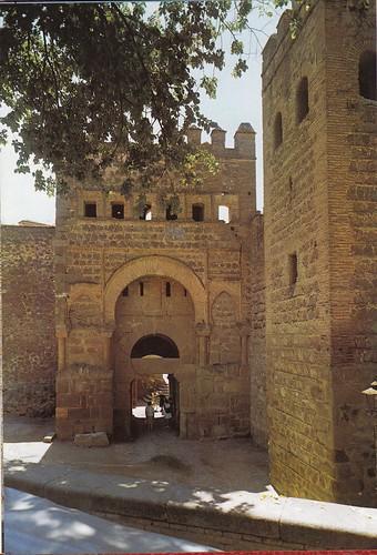 Puerta vieja de Bisagra o de Alfonso VI (Toledo). Años 60