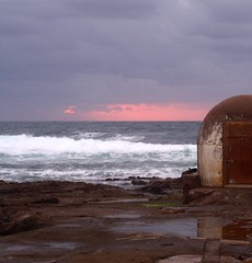 Sunrise, just! (pominoz) Tags: newcastle nsw flickrmeet pumphouse oceanbaths sea clouds waves sunrise pink