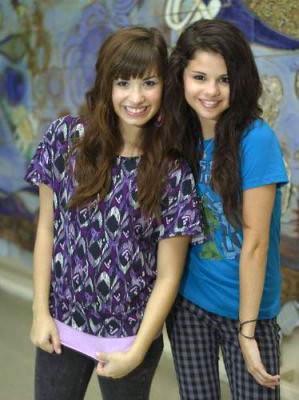 Demi e Selena por cuty jns..