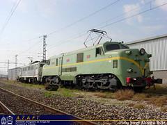 Revisión. (Tomeso) Tags: electric spain zaragoza aragon museo japonesa caf locomotora inglesa historico englishelectric 269 mitshubishi 7702 azaft 277002