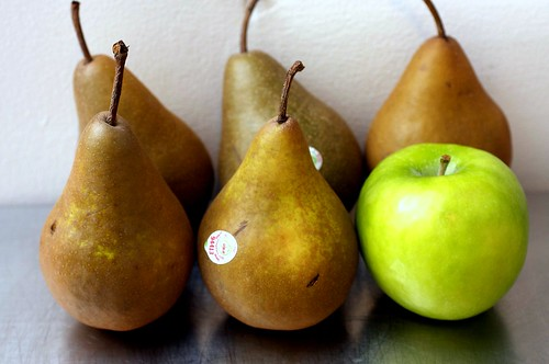 five pears, one apple