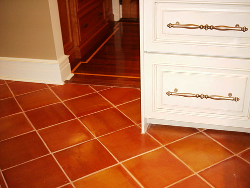 What Color Goes Good With Saltillo Tile Flooring