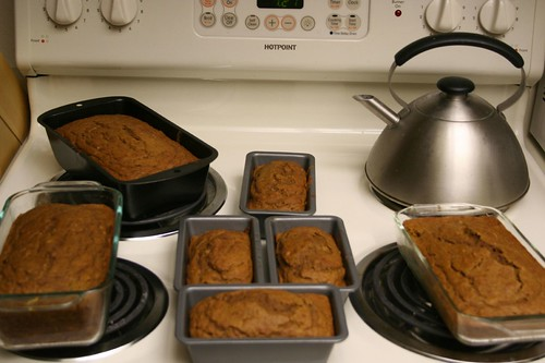Pumpkin bread for Thanksgiving 017