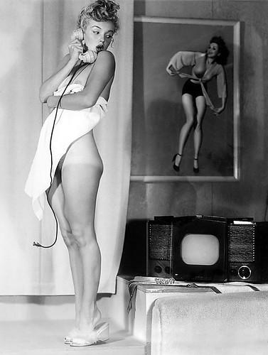 young Marilyn Monroe 15